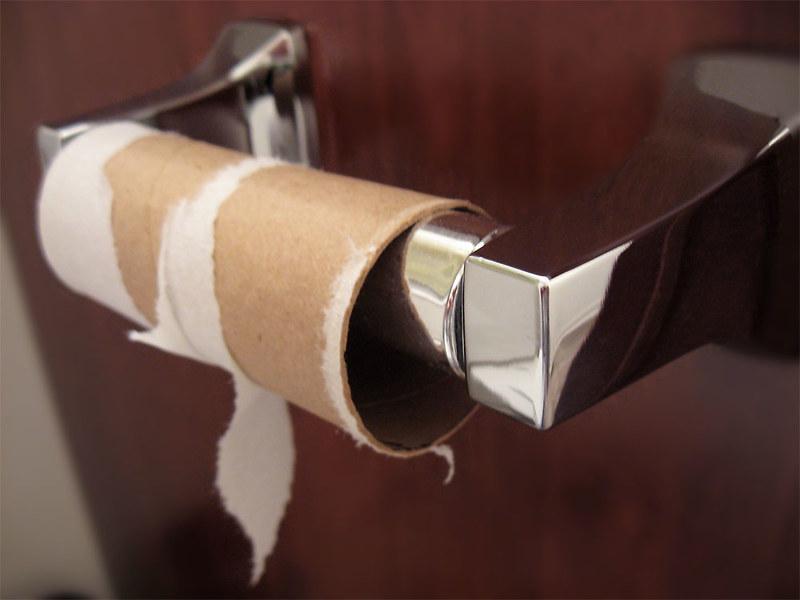Toiletrol hangen