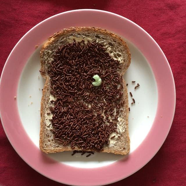 Funnies hagelslag brood vroeger eten