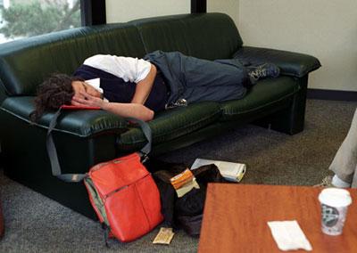 Studenten powernap slapen