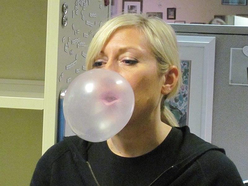 Kauwgom bubbel bel blazen vroeger