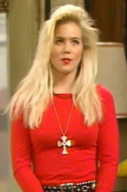 Kelly Bundy vetkuif kapsel