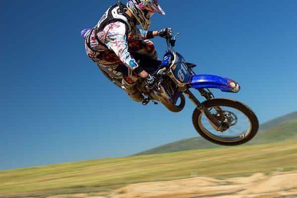 crossmotor springen