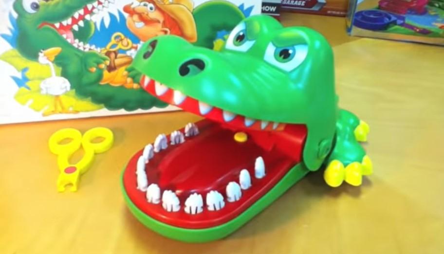 Krokodil tandarts spel crocodile dentist zenuwslopende spellen vroeger