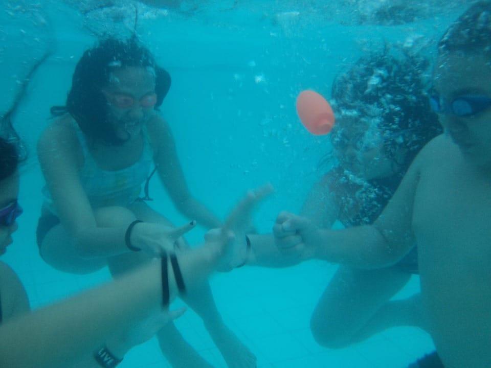Onderwater kinderen zwembad