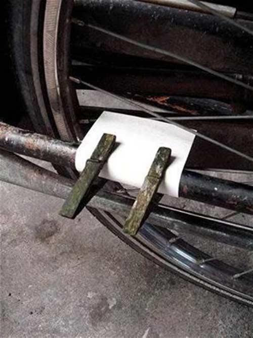 Vroeger heel gewoon fiets spaken geluid papier