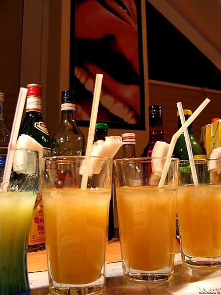 Cocktails drank vroeger