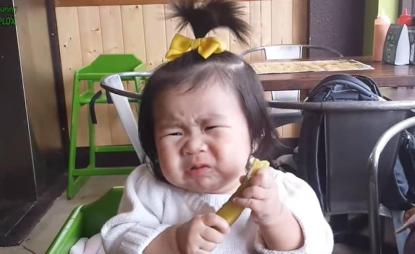 Kind augurken eten