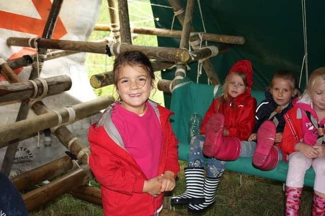 Scouting jeugdbeweging regen