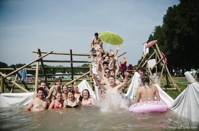 Chiro jeugdbeweging zwemmen scouting vrienden