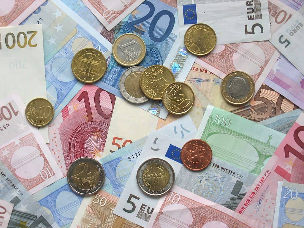 Euro geld biljetten munten