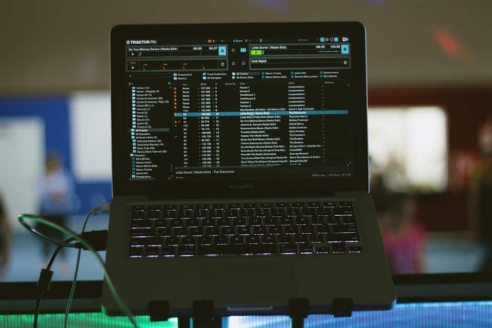 DJ muziek streamen