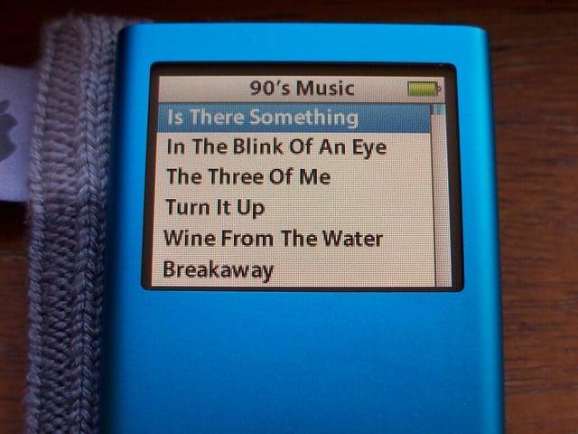 Ipod muziek luisteren vroeger 90s