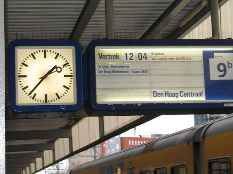 Nederlandse spoorwegen trein vroeger vertraging