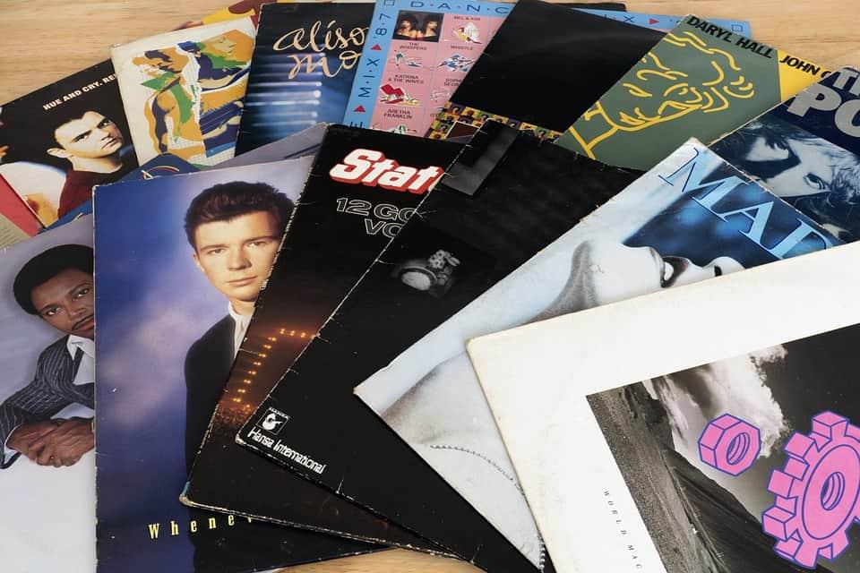 Platenspeler LPs vroeger muziek luisteren