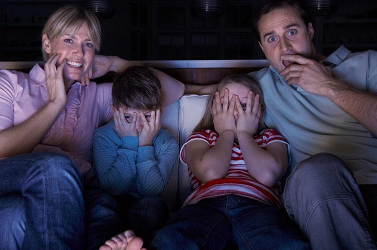 Kinderen horrorfilms kijken vroeger eng