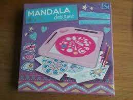 Mandala designer tekenen vormen vroeger