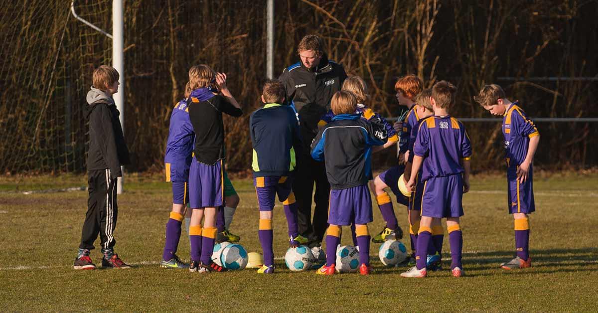 Voetbal jeugd herinneringen vroeger team