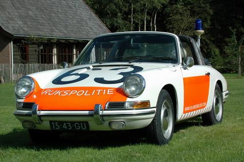 Politiewagen Porsche vroeger verkeersboetes