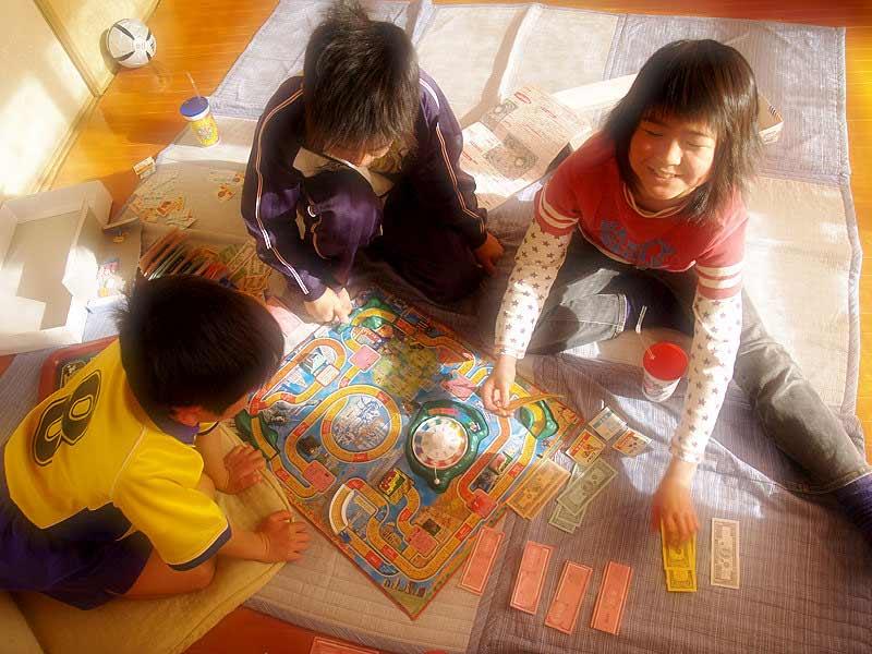De jongste gezin spel levensweg